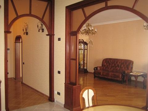 Деревяний декор міжкімнатних арок, фото.