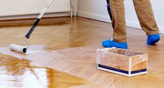 Циклювання підлоги.
