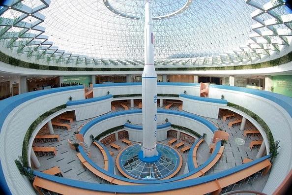 Центр науки та техніки у Пхеньяні - інноваційна споруда.