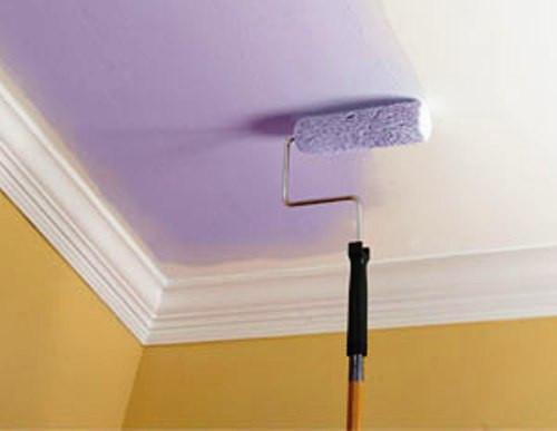 Як пофарбувати стелю водоемульсійною фарбою?